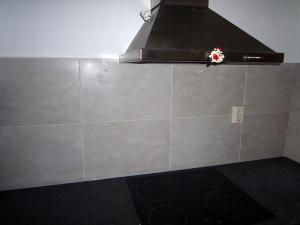 Tegels in keuken liggend verwerkt