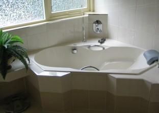 bad, badkamer, inbouwkranen, hoekbad